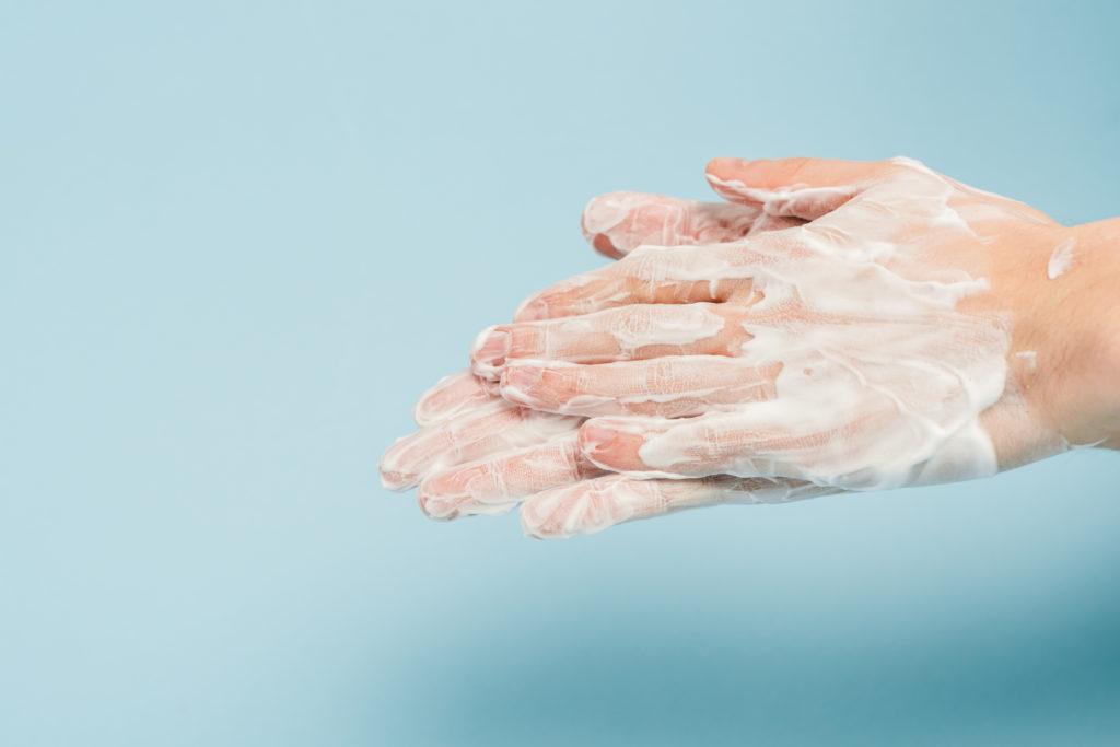 にかく手指洗浄、消毒をしっかりしましょう