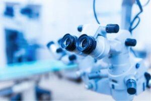 円錐角膜の原因・治療方法の解説